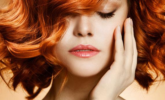 Quali vitamine restaurano capelli