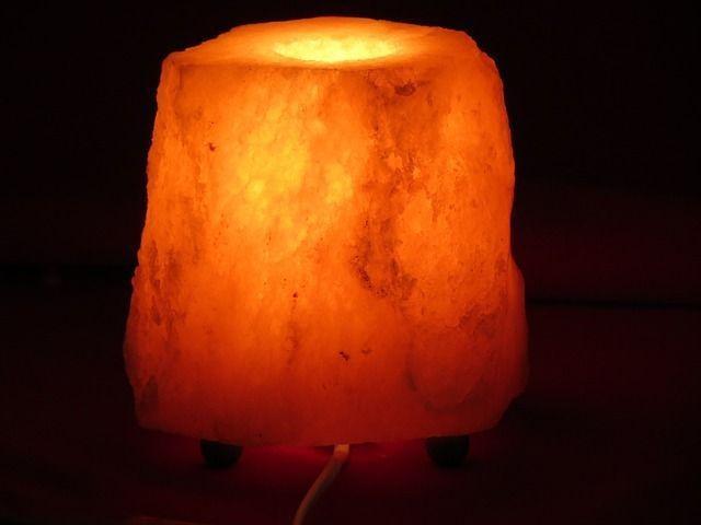 Lampada Di Cristallo Di Sale Ionizzante : Lampada di sale dell himalaya tutti i benefici
