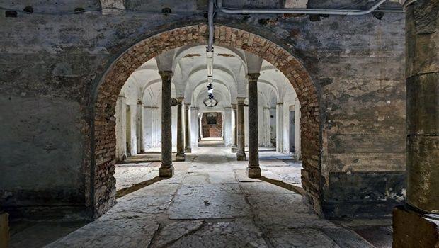 Riapre a milano la cripta del santo sepolcro - Biblioteca porta venezia orari ...