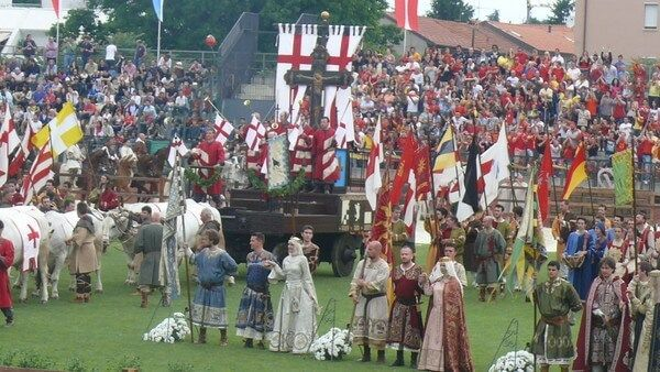 Alberto da giussano e il carroccio alla battaglia di legnano miti e realt - Gonfalone mobili roma ...