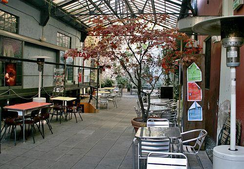 Frida caf pi che locale centro culturale for Trova un costruttore locale