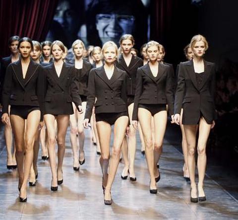 Milano Moda Donna Calendario.Milano Moda Donna Febbraio 2014 Sfilate Eventi E Party