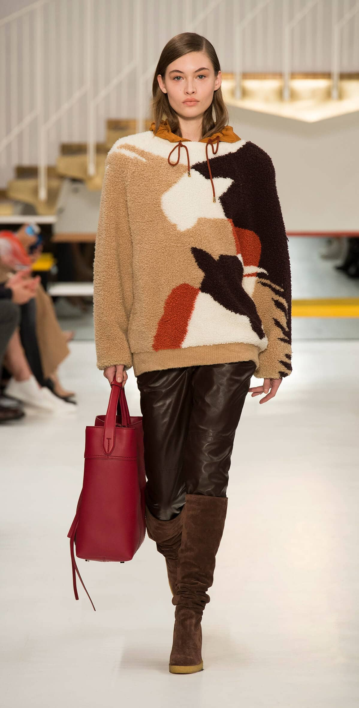 tods fashion show aw19 look 09