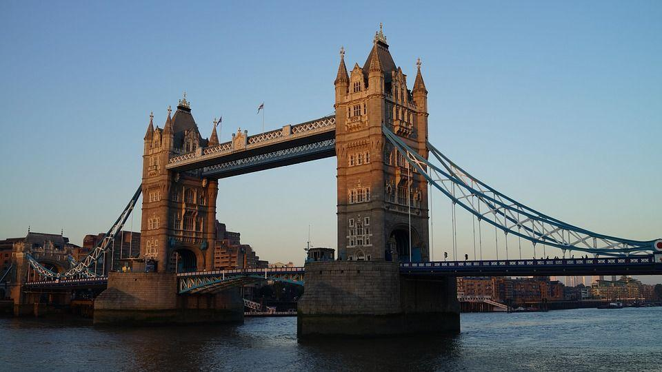 tower bridge foto pixabay